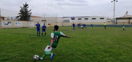 Imagen del partido disputado hoy entre el Altorricón y la Peña Ferranca. // FOTO: Carlos Domínguez.