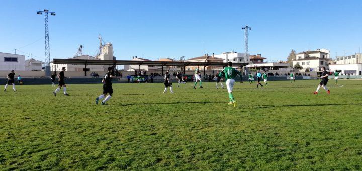 Imagen del partido disputado hoy entre el Altorricón y el Biescas. FOTO: Carlos Domínguez.