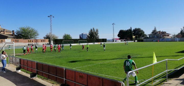 Imagen del partido disputado hoy entre al Altorricón y Actur Pablo Iglesias. FOTO: Carlos Domínguez.
